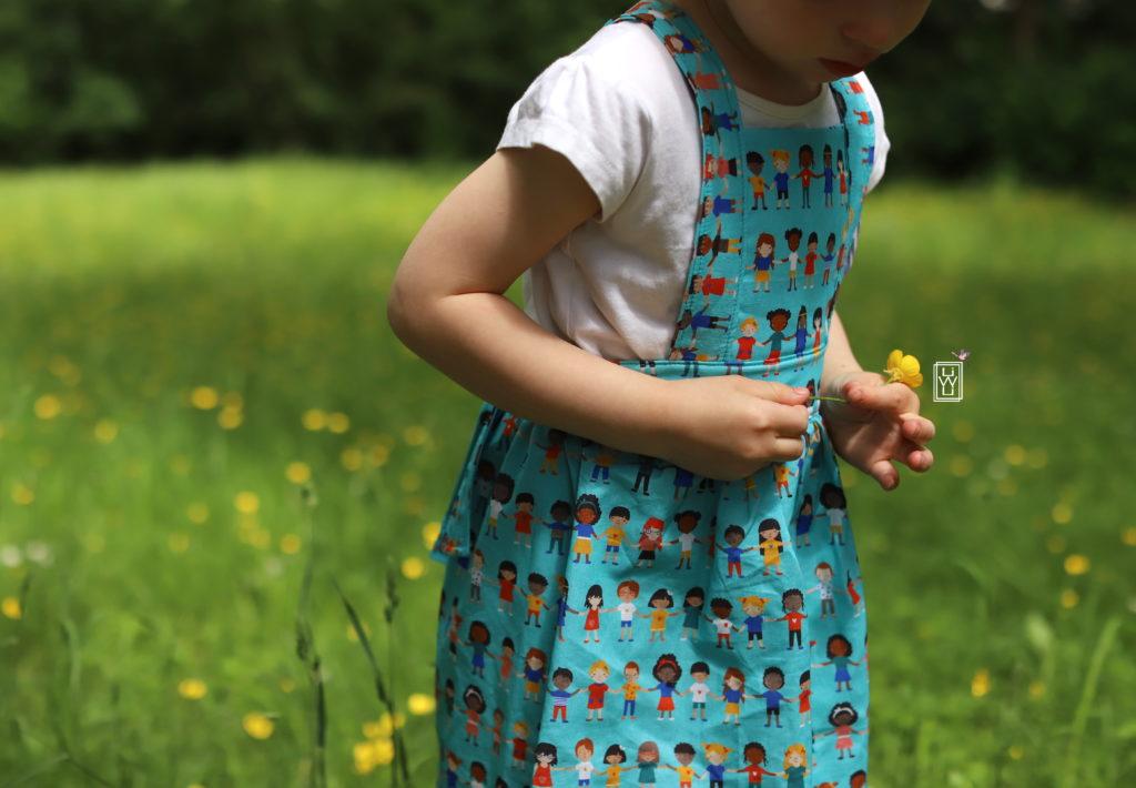 latzkleid kostenloses Schnittmuster gratis patroon lila wie liebe petit citron